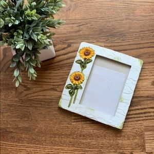 NWT Sunflower Design Easel Back Picture Frame